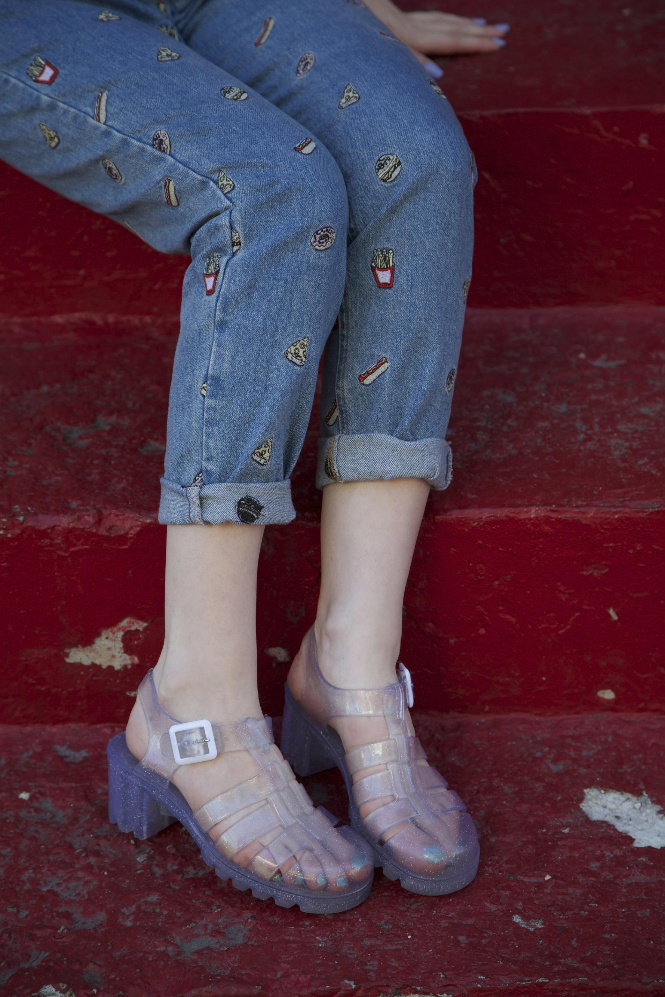 annie feet